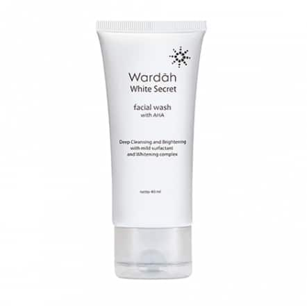 Wardah Facial Wash With AHA