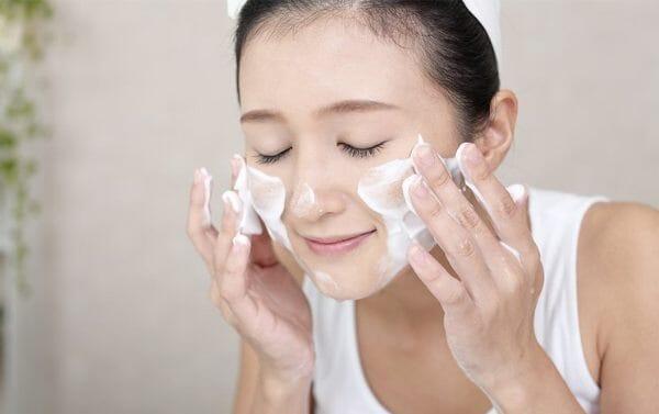 √ Manfaat dan Efek Samping Golden Viera untuk Perawatan Kulit Wajah