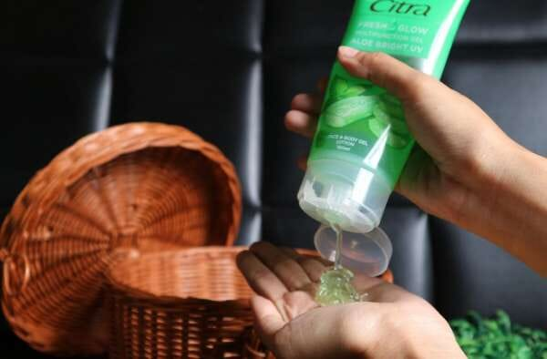 7 Info Citra Fresh Glow Multifunction Gel, Manfaat hingga Cara Memakainya